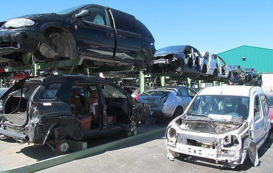 vehículos en el desguace